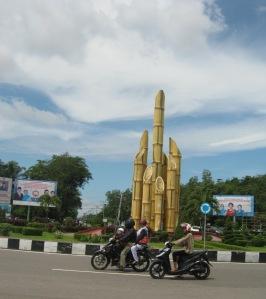 Tugu Digulis di Bundaran Univ Tanjungpura