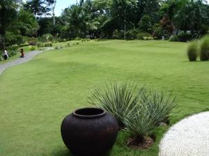 Taman GMKA bersih dan rapi