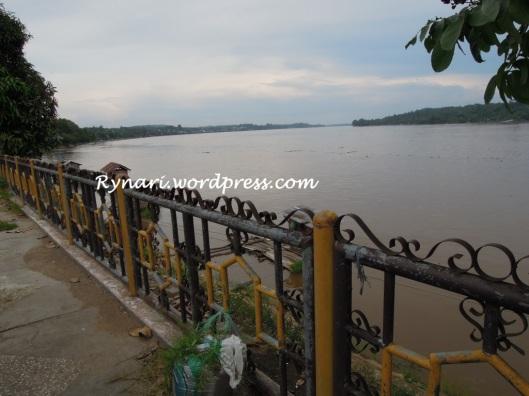 Kapuas melintas Sanggau di Muara Kanto