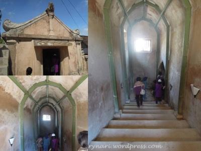 Masjid Pendhem 2 pintu masuk
