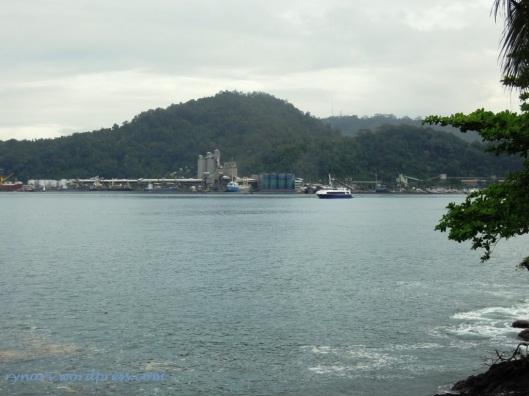 PelabuhanTeluk Bayur dan Arus Perdagangan