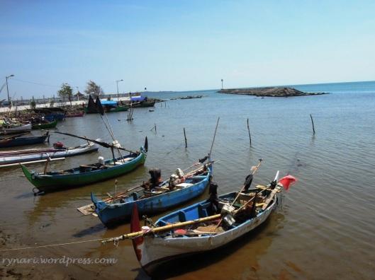 Perahu Nelayan Pantai Kartini