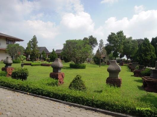 halaman depan museum Majapahit