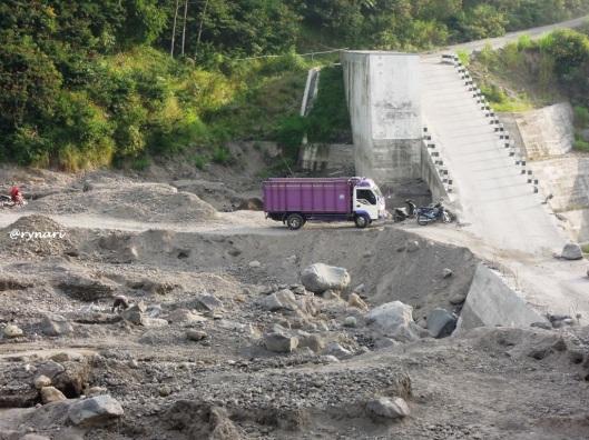 Dam Kali Apu arah kulu (7 Juni 2014)