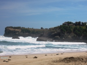 Pantai Klayar dan Gazebo Barat