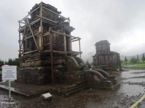 Candi Puntadewa di komplek candi Arjuna Dieng