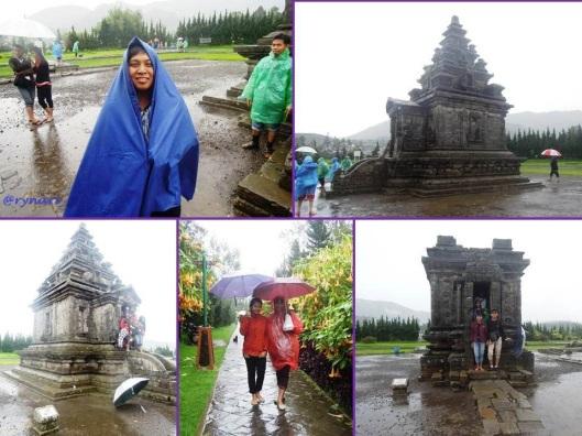 payung dan mantel di candi Arjuna Dieng