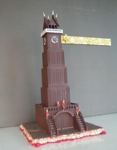 miniatur jam gadang tinggi lebih dari 3m di hotel GIM Padang