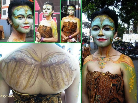 Dewi Sri dalam body painting