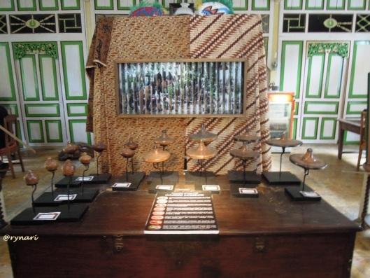 7. Evolusi gasing Lombok
