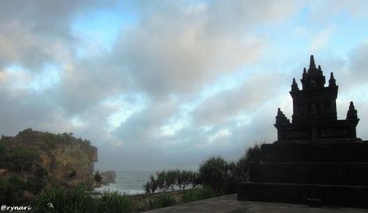 Stupa di tepi pantai