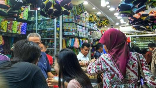 Pasar Martapura-wanita dan keindahan