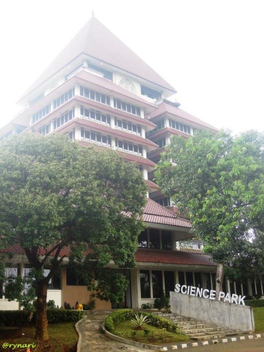 Gedung rektorat dan science park