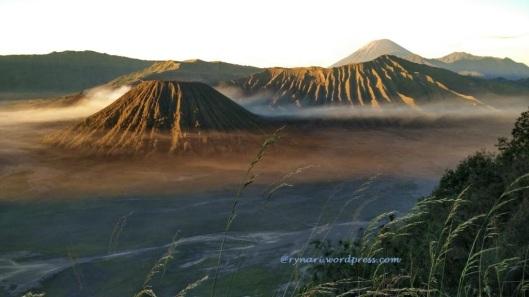 Gugus gunung di kaldera Tengger