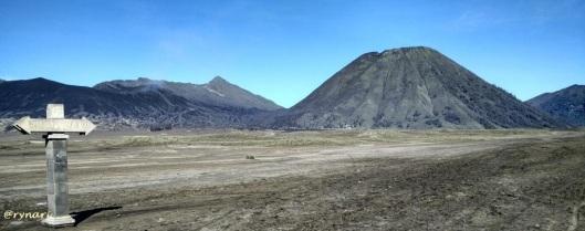 tak ku tersesat-Trio Bromo-Widodaren-Bathok di kaldera Tengger
