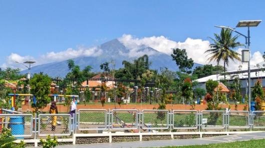 Taman Tingkir-mendulang energi surya