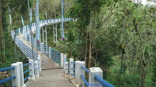 goa-gong-ujung-jembatan-biru