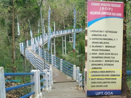 jembatan-biru-goa-gong-dari-ujung