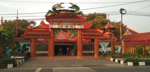 klenteng-kwan-sing-bio-di-pagi-hari