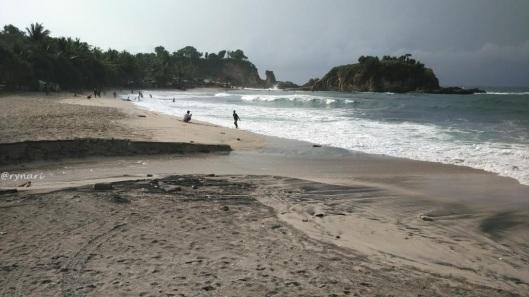 pantai-klayar-air-tawar-menuju-laut