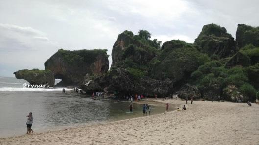 keindahan-pantai-siung-sisi-barat